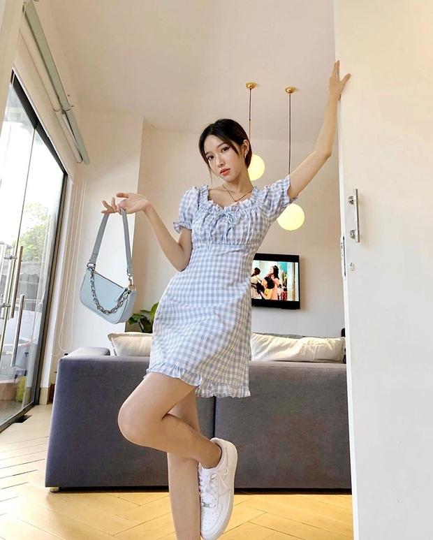 Hiếm lắm mới thấy Song Hye Kyo diện váy Zara, đáng nói là còn chịu khoe vòng 1 lấp ló - Ảnh 13.