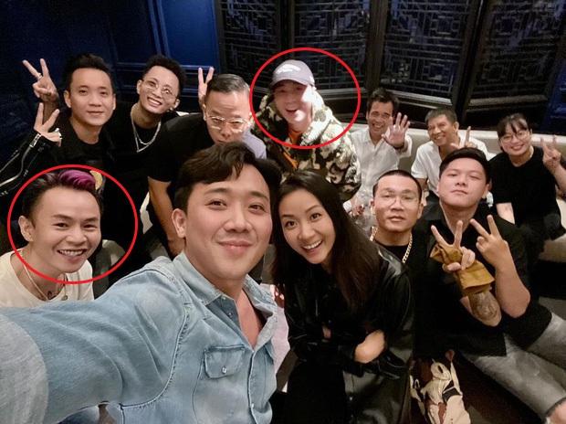 Buổi họp mặt cực hot của dàn sao Rap Việt: Karik lần đầu lộ diện sau tin hẹn hò, thái độ y hệt chàng trai đang yêu Binz - Ảnh 2.