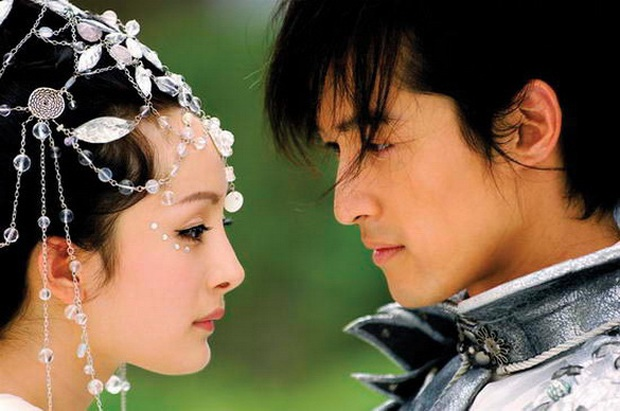 Nghe đồn tin Dương Mịch - Hồ Ca sắp kết hôn, chưa biết thực hư nhưng cứ điểm lại loạt thính của đôi bạn thân ngày mới vào nghề đã - Ảnh 9.