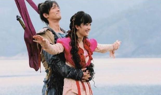 Nghe đồn tin Dương Mịch - Hồ Ca sắp kết hôn, chưa biết thực hư nhưng cứ điểm lại loạt thính của đôi bạn thân ngày mới vào nghề đã - Ảnh 12.