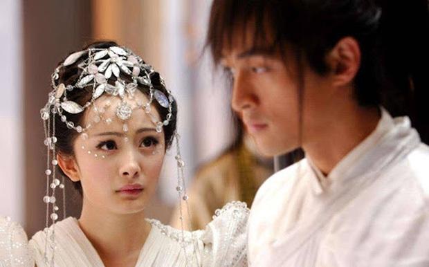 Nghe đồn tin Dương Mịch - Hồ Ca sắp kết hôn, chưa biết thực hư nhưng cứ điểm lại loạt thính của đôi bạn thân ngày mới vào nghề đã - Ảnh 11.