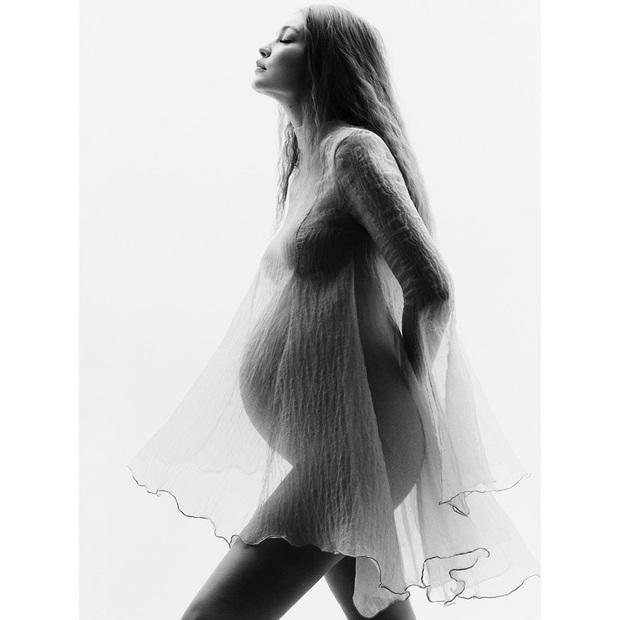 Gigi Hadid khiến MXH nổ trời với bộ ảnh khoe bụng bầu: Đẹp như nữ thần Hy Lạp, đường cong mê hoặc hàng triệu người - Ảnh 7.