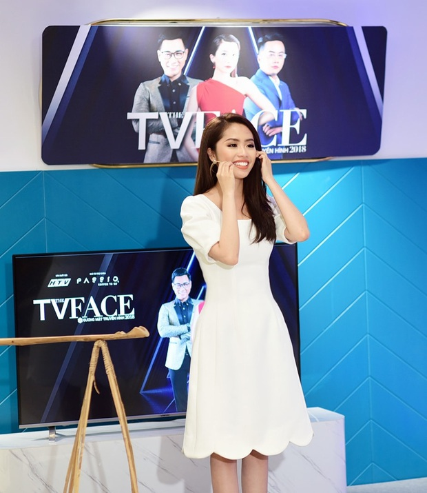 BTV truyền hình profile khủng nhập cuộc Hoa Hậu Việt Nam 2020: Từng dự Cannes, Hoa khôi ĐH có bộ ảnh gây sốt với NSƯT Chiều Xuân - Ảnh 4.