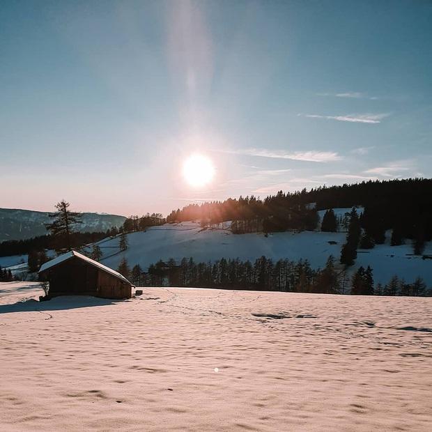Khách sạn tách biệt với thế giới xô bồ là đây: View núi rừng, hồ bơi ngoài trời to đùng và spa xông hơi không thể lý tưởng hơn - Ảnh 6.