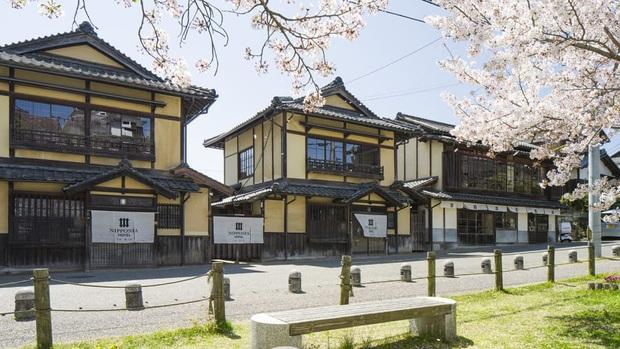 Gần 230 triệu để nghỉ trong khách sạn lâu đài duy nhất ở Nhật Bản: Được trải nghiệm những gì mà sao lại đắt đến thế cơ chứ? - Ảnh 2.
