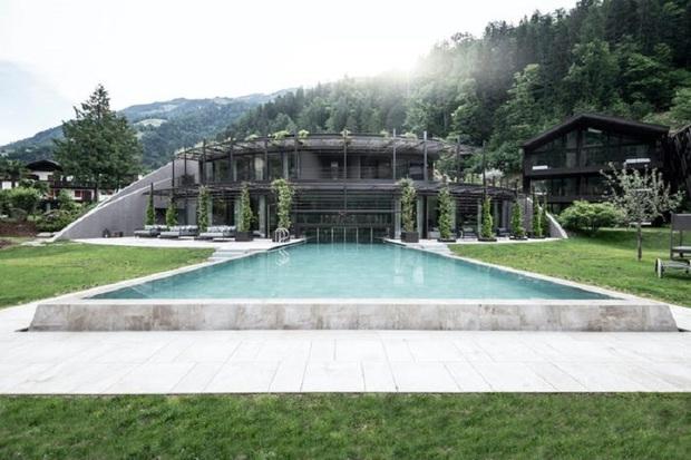 Khách sạn tách biệt với thế giới xô bồ là đây: View núi rừng, hồ bơi ngoài trời to đùng và spa xông hơi không thể lý tưởng hơn - Ảnh 4.