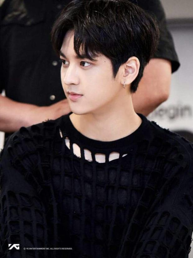 Knet phát sốt với loạt mẫu nhí giờ thành idol: Nam thần Vườn Sao Băng lột xác, 2 sao nhí thành em trai BLACKPINK - BTS - Ảnh 32.