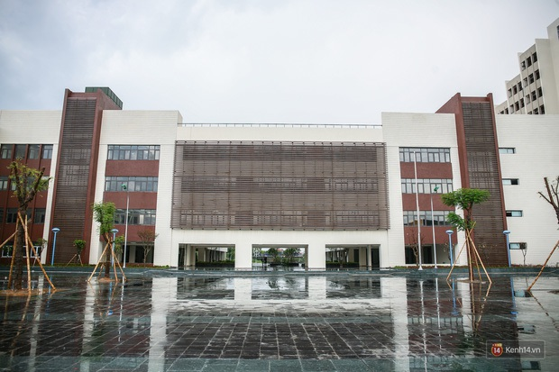 Tham quan ngôi trường chuyên 600 tỷ hiện đại thứ 2 Đông Nam Á ở Bắc Ninh: Trường người ta là đây chứ đâu! - Ảnh 1.