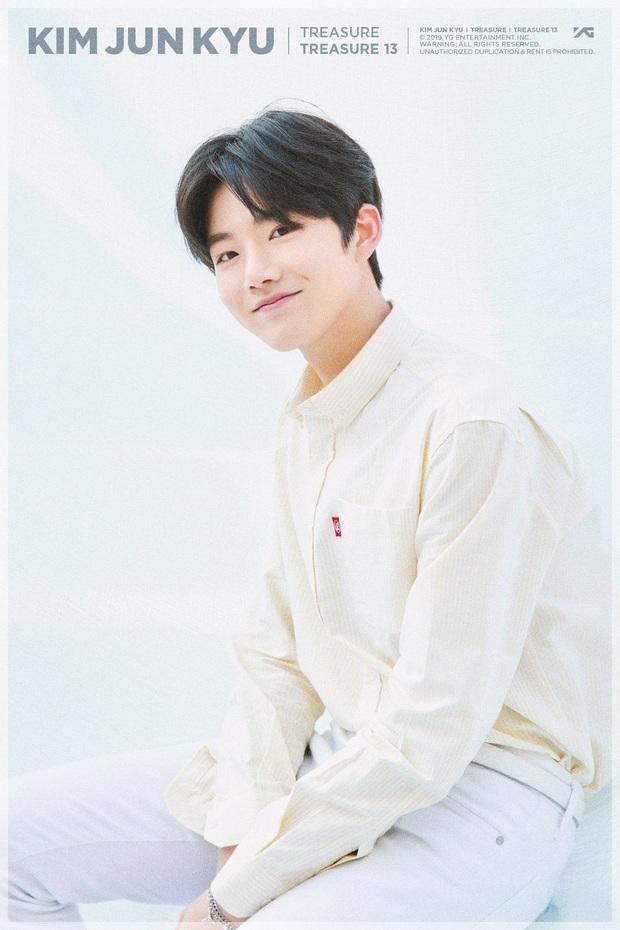 Knet phát sốt với loạt mẫu nhí giờ thành idol: Nam thần Vườn Sao Băng lột xác, 2 sao nhí thành em trai BLACKPINK - BTS - Ảnh 10.