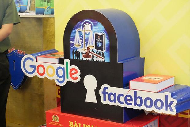 Thắt chặt quy định, buộc Facebook, Google tuân thủ pháp luật Việt Nam - Ảnh 1.
