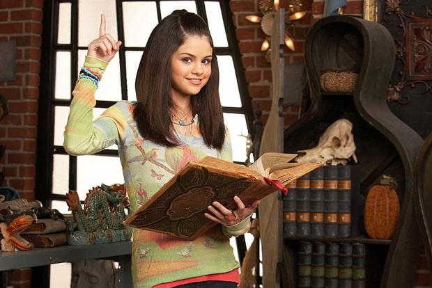 Nhìn lại sự nghiệp của Selena Gomez: Từ nàng công chúa Disney nỗ lực phá kén đến màn hợp tác win-win với BLACKPINK - Ảnh 3.