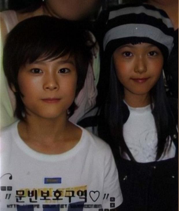 Knet phát sốt với loạt mẫu nhí giờ thành idol: Nam thần Vườn Sao Băng lột xác, 2 sao nhí thành em trai BLACKPINK - BTS - Ảnh 35.