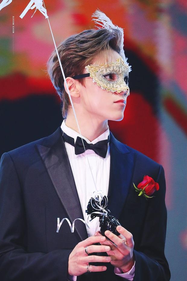Knet phát sốt với loạt mẫu nhí giờ thành idol: Nam thần Vườn Sao Băng lột xác, 2 sao nhí thành em trai BLACKPINK - BTS - Ảnh 30.