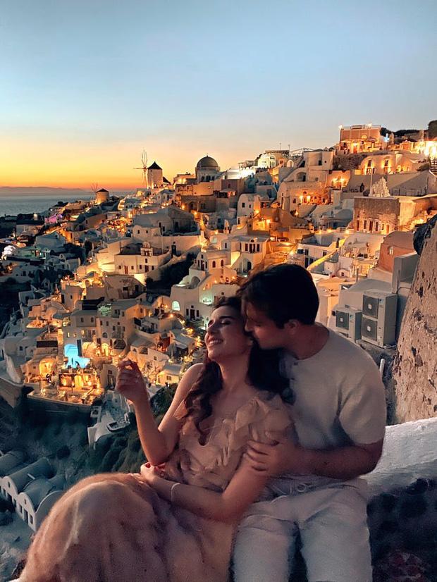 """Đăng clip sống ảo lên Instagram, cặp đôi vạch trần cảnh """"đông đến ngộp thở"""" tại Santorini, đáng chú ý là không một ai đeo khẩu trang? - Ảnh 2."""
