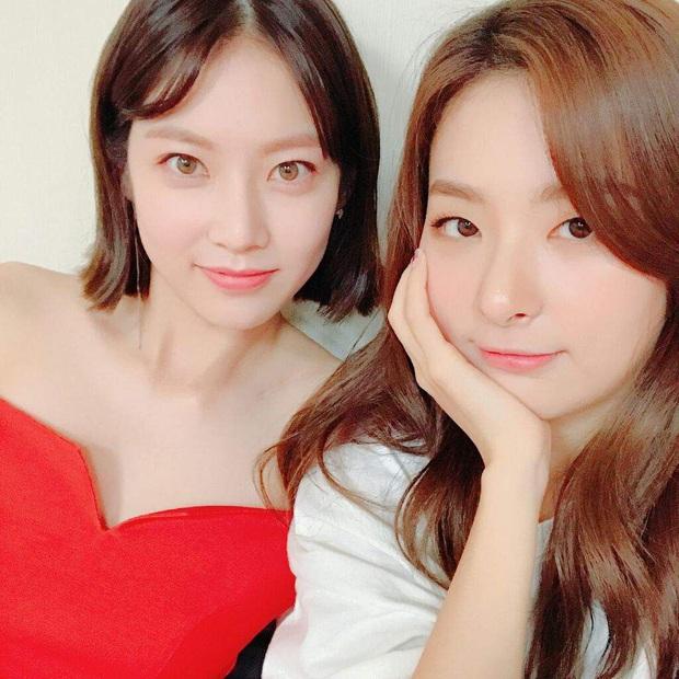 Thánh thu thập hội gái xinh Kbiz Seulgi (Red Velvet): Từ nữ thần TWICE, BLACKPINK đến minh tinh, cả chục mỹ nhân đều là bạn thân - Ảnh 23.
