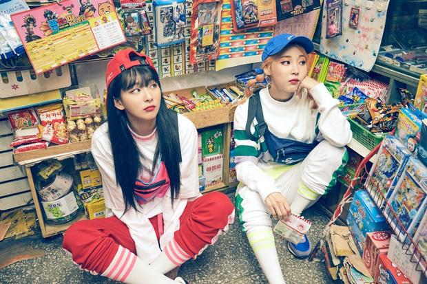 Thánh thu thập hội gái xinh Kbiz Seulgi (Red Velvet): Từ nữ thần TWICE, BLACKPINK đến minh tinh, cả chục mỹ nhân đều là bạn thân - Ảnh 11.