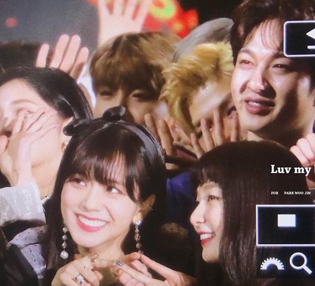 Thánh thu thập hội gái xinh Kbiz Seulgi (Red Velvet): Từ nữ thần TWICE, BLACKPINK đến minh tinh, cả chục mỹ nhân đều là bạn thân - Ảnh 3.