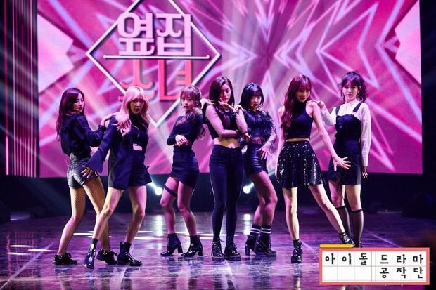 Thánh thu thập hội gái xinh Kbiz Seulgi (Red Velvet): Từ nữ thần TWICE, BLACKPINK đến minh tinh, cả chục mỹ nhân đều là bạn thân - Ảnh 9.