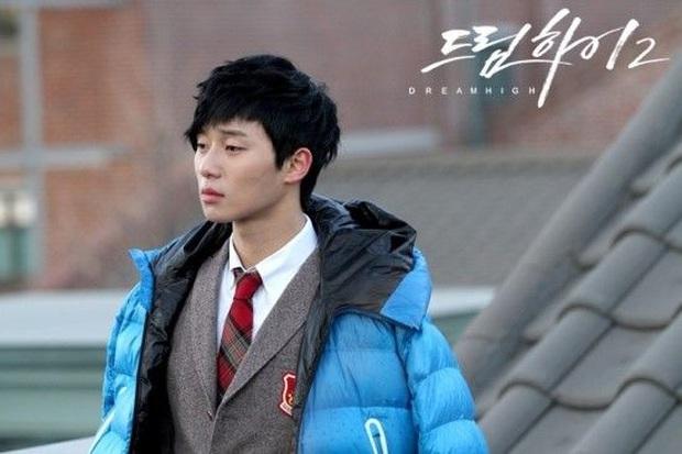 Chuyện bây giờ mới kể: Hoá ra Park Seo Joon nổi tiếng vậy là nhờ công lớn của cụ giáo Kim Soo Hyun - Ảnh 3.