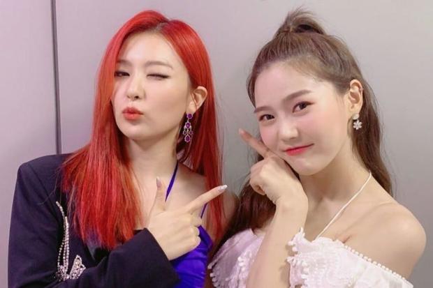 Thánh thu thập hội gái xinh Kbiz Seulgi (Red Velvet): Từ nữ thần TWICE, BLACKPINK đến minh tinh, cả chục mỹ nhân đều là bạn thân - Ảnh 16.