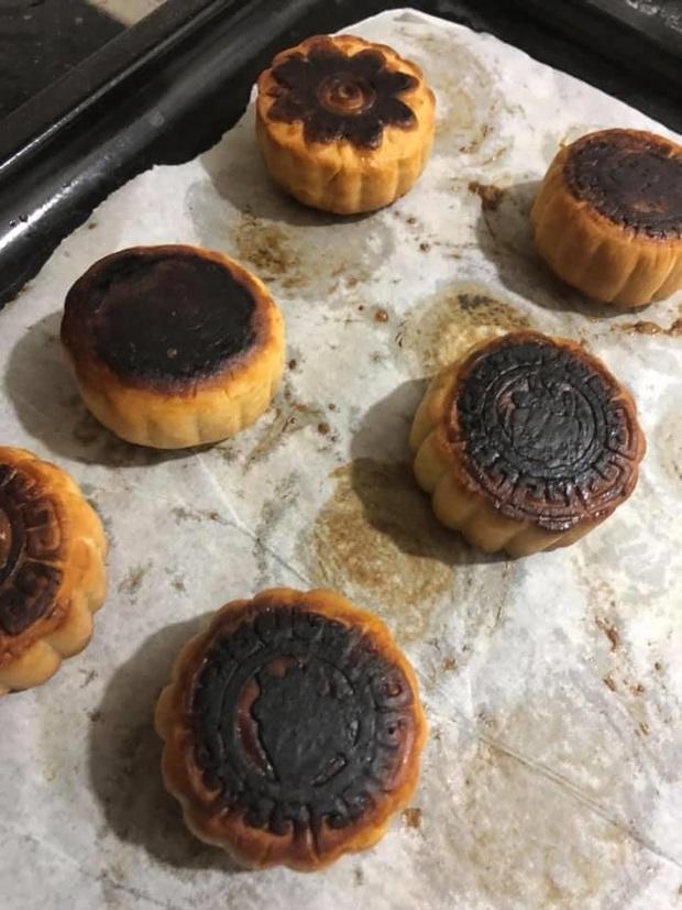 Vẫn là hội ghét bếp: Trổ tài nướng bánh Trung thu nhưng làm xong chỉ muốn quăng cả lò lẫn bánh! - Ảnh 2.