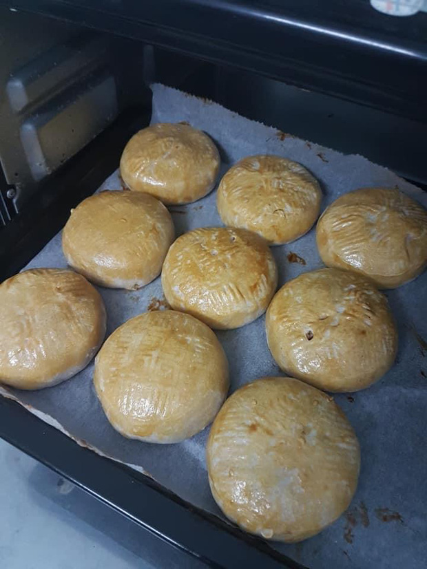 Vẫn là hội ghét bếp: Trổ tài nướng bánh Trung thu nhưng làm xong chỉ muốn quăng cả lò lẫn bánh! - Ảnh 7.