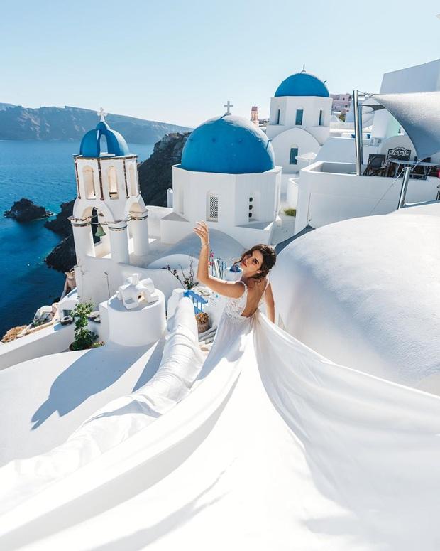 """Đăng clip sống ảo lên Instagram, cặp đôi vạch trần cảnh """"đông đến ngộp thở"""" tại Santorini, đáng chú ý là không một ai đeo khẩu trang? - Ảnh 1."""