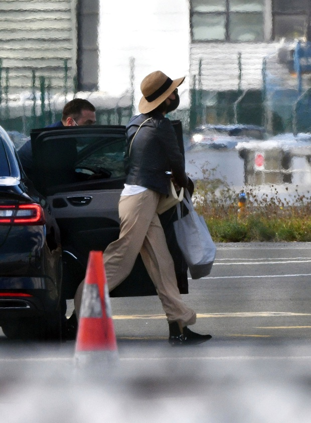 Brad Pitt đang hẹn hò nàng mẫu nóng bỏng là bản sao của Angelina Jolie, chi tiết tình ái kín đáo gây bất ngờ - Ảnh 5.