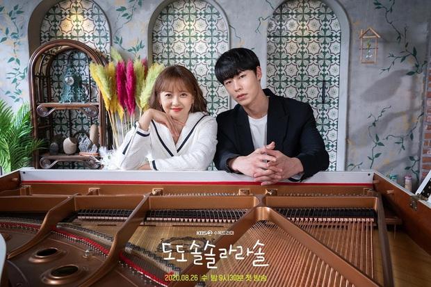Đài lớn đồng loạt dừng làm phim, truyền hình Hàn đóng băng vì đại dịch trở lại - Ảnh 4.