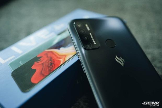 Trên tay Vsmart Live 4: Smartphone Make in Vietnam đầu tiên của VinSmart, cấu hình mạnh, giá bán hấp dẫn - Ảnh 12.