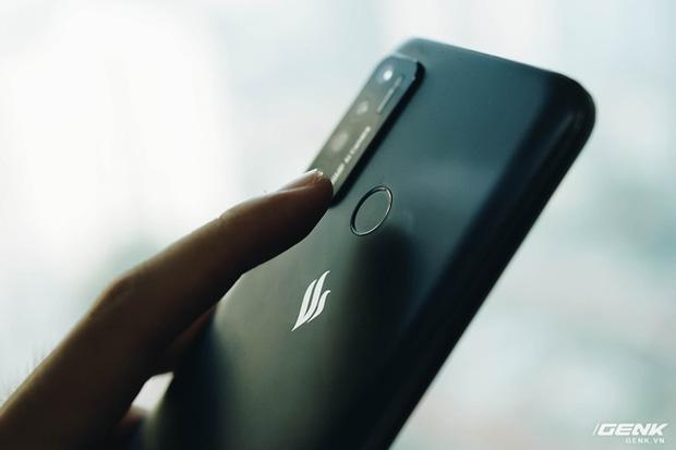 Trên tay Vsmart Live 4: Smartphone Make in Vietnam đầu tiên của VinSmart, cấu hình mạnh, giá bán hấp dẫn - Ảnh 5.