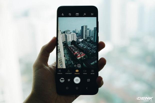Trên tay Vsmart Live 4: Smartphone Make in Vietnam đầu tiên của VinSmart, cấu hình mạnh, giá bán hấp dẫn - Ảnh 10.
