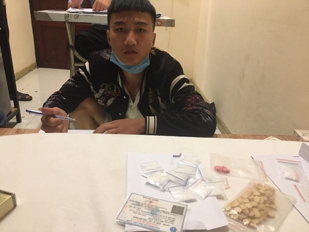 13 nam nữ thanh niên phê ma túy trong khách sạn lúc rạng sáng - Ảnh 4.