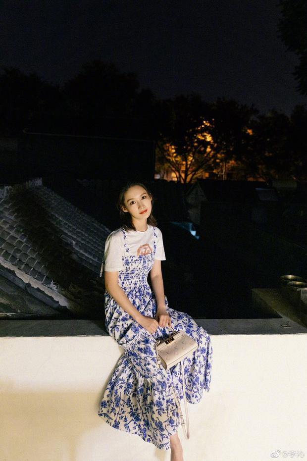 8 cách diện áo phông xinh xẻo từ các mỹ nhân Hoa - Hàn kèm chỗ mua ngon nghẻ để bạn sắm sửa cho mùa tựu trường - Ảnh 5.