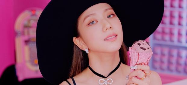 Cả một bữa tiệc visual xinh tươi trong Ice Cream, nhưng Jisoo (BLACKPINK) mới là người leo trending cao nhất vì... vô hình trong MV! - Ảnh 4.