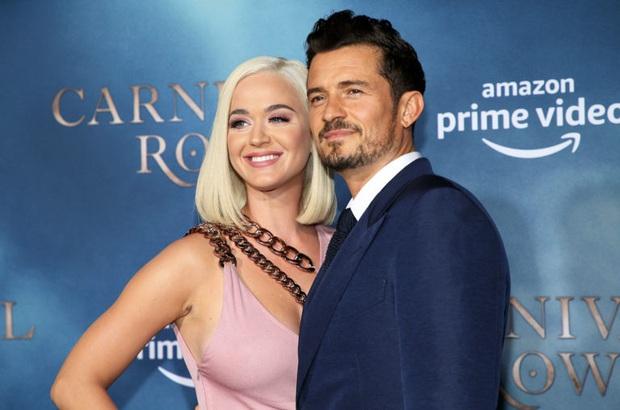 Katy Perry - Orlando đón con gái đầu lòng, bất ngờ phản ứng của thiên thần Victorias Secret Miranda Kerr với chồng cũ - Ảnh 2.