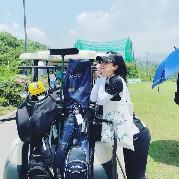 Bạn gái Huy Hùng gia nhập hội gái xinh có điều kiện mê golf, mỗi lần ra sân là chụp đủ 7749 kiểu ảnh mới chịu - Ảnh 3.