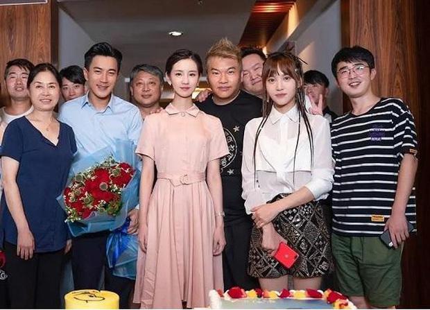 Xót xa cuộc sống con gái Dương Mịch: Càng lớn càng quen việc không có mẹ, Lưu Khải Uy đi quay phim biền biệt - Ảnh 6.