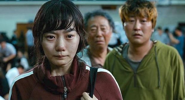 Bae Doo Na: Chị đại Hallyu chuyên thầu phim Hollywood, gia tài phim siêu khủng nhưng vẫn bị gọi là bình hoa di động - Ảnh 7.