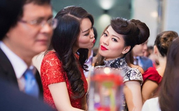 Ngọc Trinh và Thuỵ Vân: Đôi bạn sang chảnh nức tiếng VTV, thân suốt 10 năm đến mức bị bạn trai khuyên nên lấy nhau - Ảnh 10.