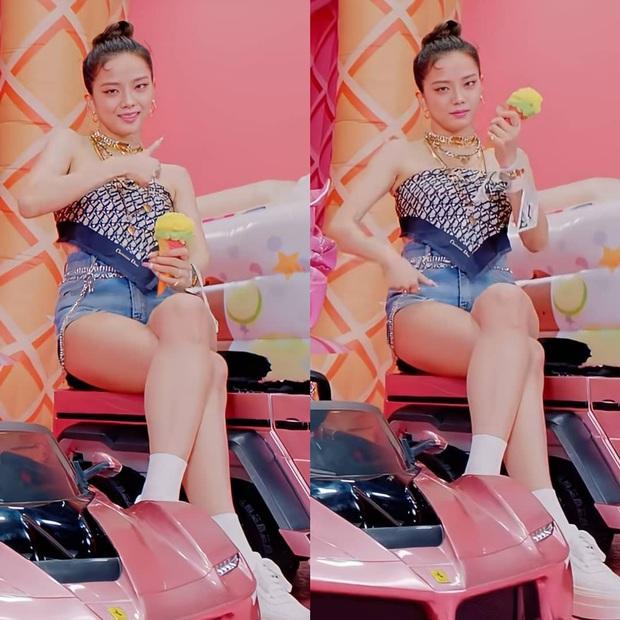 2 thế lực BLACKPINK và Selena Gomez lăng xê 1001 phụ kiện tóc hot nhất 2020, xem tới đâu muốn copy tới đó - Ảnh 12.