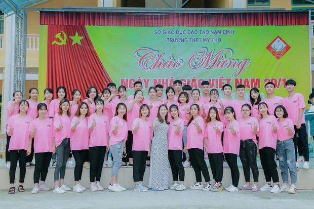 Lớp học Nam Định gây sốt với 20 học sinh trên 9 điểm Văn tốt nghiệp, 1 thành viên đạt 10 tuyệt đối - Ảnh 2.