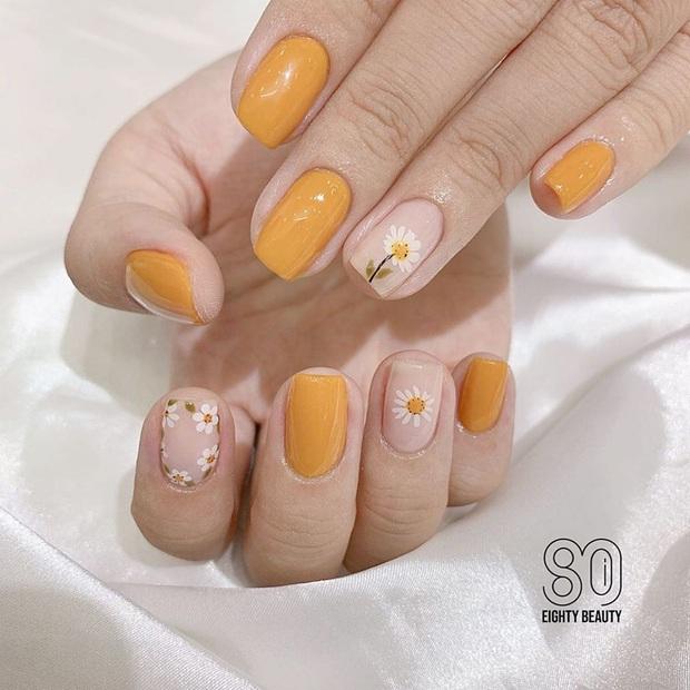 """12 mẫu nail xinh yêu chuẩn trend mùa thu, chị em mau """"bung lụa"""" để có bàn tay sang chảnh - Ảnh 10."""