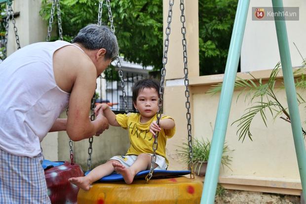 Hà Nội: Đồ phế liệu được tái chế làm khu thư giãn của người lớn, vui chơi miễn phí cho trẻ nhỏ - Ảnh 5.
