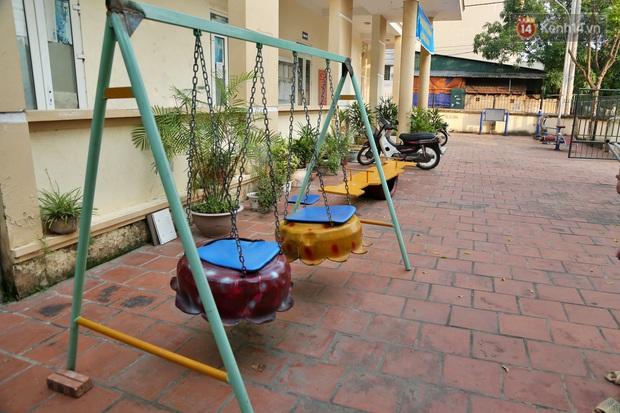 Hà Nội: Đồ phế liệu được tái chế làm khu thư giãn của người lớn, vui chơi miễn phí cho trẻ nhỏ - Ảnh 1.