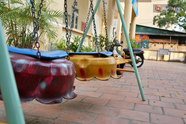 Hà Nội: Đồ phế liệu được tái chế làm khu thư giãn của người lớn, vui chơi miễn phí cho trẻ nhỏ - Ảnh 6.