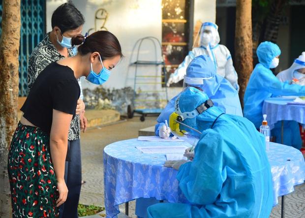 Bệnh nhân 1040 ở Đà Nẵng đã tử vong trước khi công bố nhiễm Covid-19, hơn 70 người dự đám tang - Ảnh 2.
