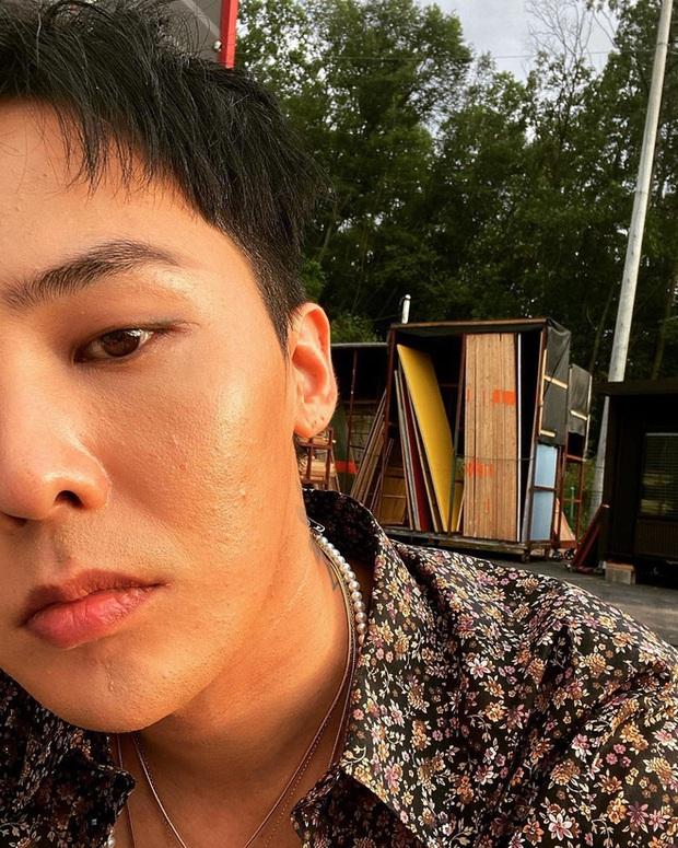 Bao mỹ nam Hàn từng để mặt mụn đi vào lịch sử, các anh giai không muốn như họ thì nên tậu 6 món skincare đặc trị mụn - Ảnh 2.