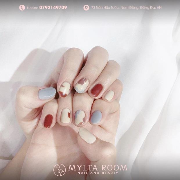 """12 mẫu nail xinh yêu chuẩn trend mùa thu, chị em mau """"bung lụa"""" để có bàn tay sang chảnh - Ảnh 2."""