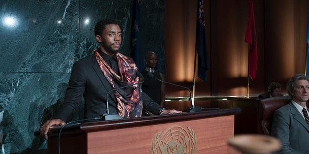 Vừa vật lộn chữa trị ung thư vừa tập luyện và ghi hình Black Panther: Từ mạnh mẽ thật chẳng đủ để nói về Chadwick Boseman - Ảnh 3.